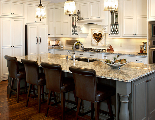 At Simmons Floor Covering we can help you with your kitchen remodel and bath remodel from the very beginning.